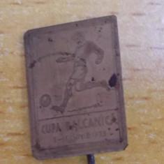 Insigna Cupa Balcanica fotbal 1933, rara