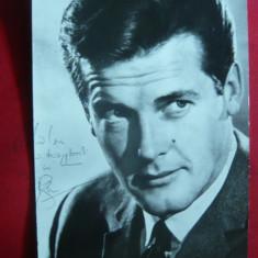 Ilustrata cu autograf tiparit - Fotografie Roger Moore - Sfantul