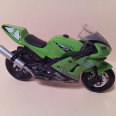 Motocicleta Launch 600R
