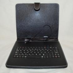 Tastatura in husa cu stand pt tableta 8
