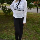 Camasa office, nuanta de alb-negru, cu model interesant de nasturi (Culoare: ALB, Marime: 40)