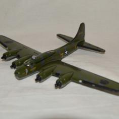 Macheta metal jucarie avion Boeing B-17 Flying Fortress Memphis Belle 124485 - Macheta Aeromodel Alta