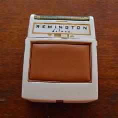 Aparat de ras electric Remington Deluxe anii 60, Germania, fara cablu, vintage, Numar dispozitive taiere: 3