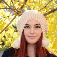Caciula de toamna-iarna, de culoare crem, model tineresc cu moti (Culoare: CREM) - Caciula Dama