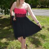 Rochie de gala scurta, cu fusta din voal negru si top plisat roz (Culoare: NEGRU-ROZ, Marime: 42)