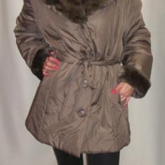 Jacheta moderna, de culoare negru, crem cu gluga din blana (Culoare: CREM, Marime: 44) - Jacheta dama