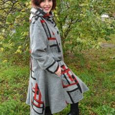 Jacheta fashion masura mare, gri deschis cu imprimeu negru-rosu (Culoare: GRI, Marime: 52) - Jacheta dama