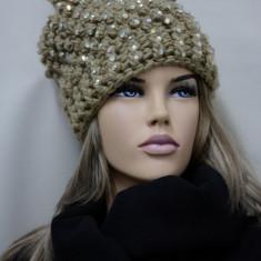 Caciula tricotata cu mot de toamna-iarna, culoare maro deschis (Culoare: MARO DESCHIS) - Caciula Dama