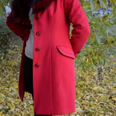 Palton modern, de culoare rosie, cu blanita artificiala detasabila (Culoare: ROSU, Marime: 48) - Jacheta dama