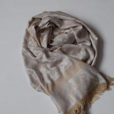 Esarfa Louis Vuitton Material Deosebit - Esarfa, Sal Dama Louis Vuitton, Culoare: Din imagine, Marime: Marime universala