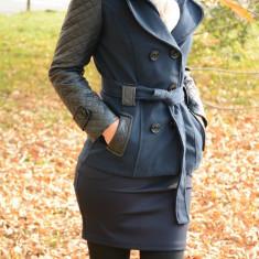 Palton bleumarin cu maneci din piele ecologica cu model matlasat (Culoare: BLEUMARIN, Marime: 38) - Palton dama