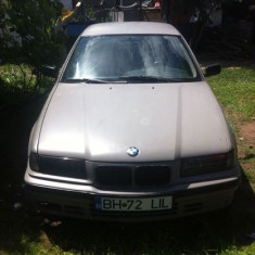 Dezmembrez Bmw 318 din 1993 benzina - Dezmembrari BMW