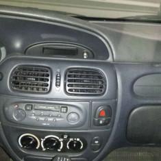 Dezmembrez Renault Megane1 2002-2003 1.9 dci break - Dezmembrari Renault