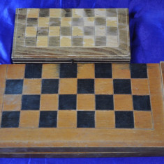 2 Table vechi de sah si table din lemn. Cutie romaneasca de sah si table. - Table sah