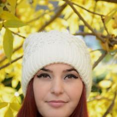 Caciula de dama, de nuanta alba, din material calduros, tricotat (Culoare: ALB) - Caciula Dama