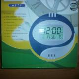 Ceas de perete cu afisaj calendar si indicator temperatura