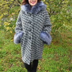 Jacheta cu gluga din lana, gri, cu design pepit si insertii de blana (Culoare: GRI, Marime: 50) - Jacheta dama