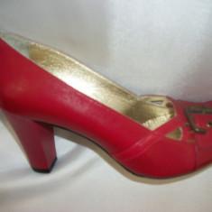 Pantof simplu, din piele lacuita, cu toc patrat (Culoare: ROSU, Marime: 38) - Pantof dama