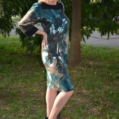 Rochie de zi, de culoare negru-turcoaz, cu imprimeu (Culoare: TURCOAZ, Marime: 46), Scurta, Poliester