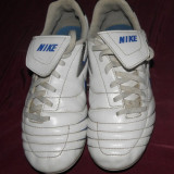 Ghete fotbal Nike cu crampoane, albe, marimea 35, de copii