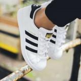 Adidasi Adidas Dama Barbati Negru Alb Unisex - Adidasi dama, Marime: 36, 37, 38, 39, 40, 41, 42, 43, 44, Piele sintetica
