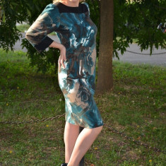 Rochie de zi, de culoare negru-turcoaz, cu imprimeu (Culoare: TURCOAZ, Marime: 44), Scurta, Poliester