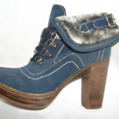 Botina casual, pe o platforma si toc inalt, de culoare bleumarin (Culoare: BLEUMARIN, Marime: 38) - Botine dama