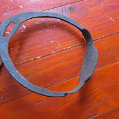 Scarita veche pentru sa de cal realizata manual la nicovala si forja !!! - Metal/Fonta