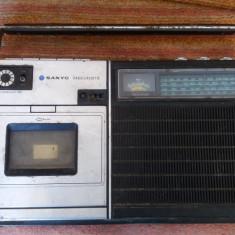 RADIOCASETOFON SANYO MODEL M-2414L