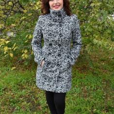 Palton elegant din stofa alba cu design negru cu aspect de catifea (Culoare: NEGRU-ALB, Marime: 40) - Palton dama