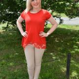 Tricou de culoare rosie, din bumbac cu model aparte in spate (Culoare: ROSU, Marime: 42)