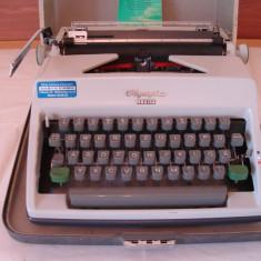 Masina de scris OLIMPIA MONICA cu acte+banda noua de scris
