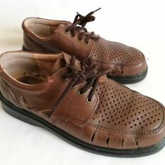 Pantofi vara cu gauri de barbati din piele Newport mar.41 - Sandale barbati Adidas, Marime: 42, Culoare: Maro