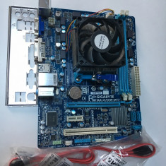 KIT Placa baza FM1 Gigabyte Ga-A75M-DS2 + Quad Core A6 3650 + Cooler - Placa de Baza Gigabyte, Pentru AMD, DDR 3, Contine procesor, MicroATX
