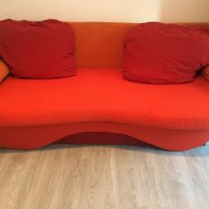 Vand canapea extensibila, moderna, cu perne artizanale