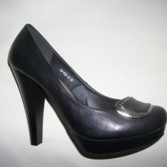 Pantof cu toc inalt, de zi, de culoare negru (Culoare: NEGRU-LAC, Marime: 38) - Pantof dama