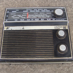 Aparat de radio vechi Monika - Aparat radio