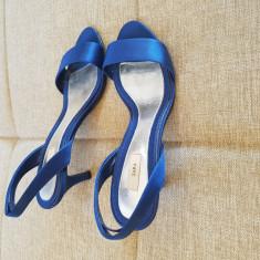 SANDALE DE DAMA ALBASTRE ZARA marimea 38 - Sandale dama Zara, Culoare: Albastru