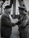 Gheorghe Gheorghiu Dej , 2 fotografii cu militari