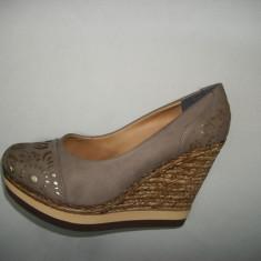 Pantof cu platforma si talpa intreaga, moderni, de culoare bej (Culoare: BEJ, Marime: 38) - Pantof dama