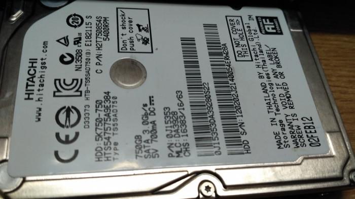 HDD LAPTOP 750GB HITACHI CU DEFECT foto mare