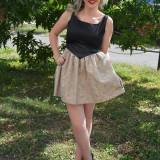 Rochie tinereasca scurta, model elegant, culoare negru-auriu (Culoare: NEGRU-AURIU, Marime: 38) - Rochie de zi, Fara maneca, Poliester