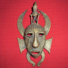 Masca tribala din bronz foarte veche 22x13 cm