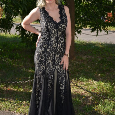 Rochie din dantela neagra pe fond crem, model tip sirena (Culoare: NEGRU, Marime: 42) - Rochie de seara, Maxi, Cu bretele