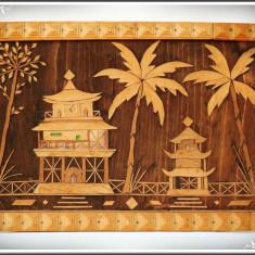 TABLOU VECHI FĂCUT DIN LEMN - COLAJ PE PLACAJ - TEMPLE ASIATICE ȘI PALMIERI! - Arta din Asia