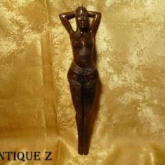 Unicat! Spargator de nuci sculptat manual, lemn exotic, vintage