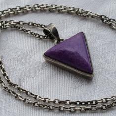 Medalion argint sub forma de triunghi cu piatra semipretioasa pe Lant argint