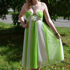 Rochie de seara midi, verde deschis cu alb, din voal fronsat, in dungi (Culoare: VERDE DESCHIS, Marime: 42)