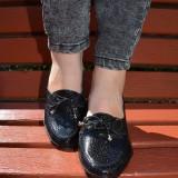 Pantof negru din piele lacuita cu design stone si talpa confortabila (Culoare: NEGRU, Marime: 36)