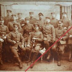 Fotografie veche de grup pe carton, ofiteri germani, pre WWI - circa 1900, Alb-Negru, Militar, Europa